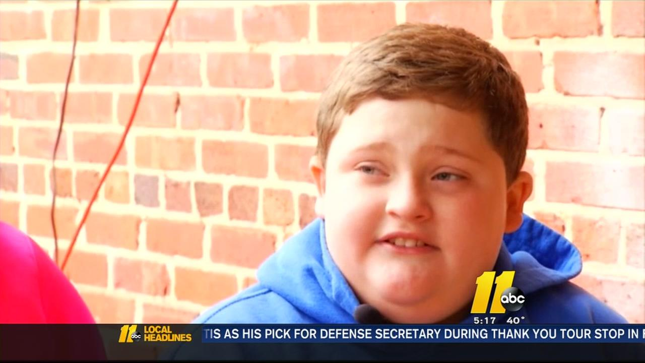 Boy says he was fat-shamed by Santas helpers