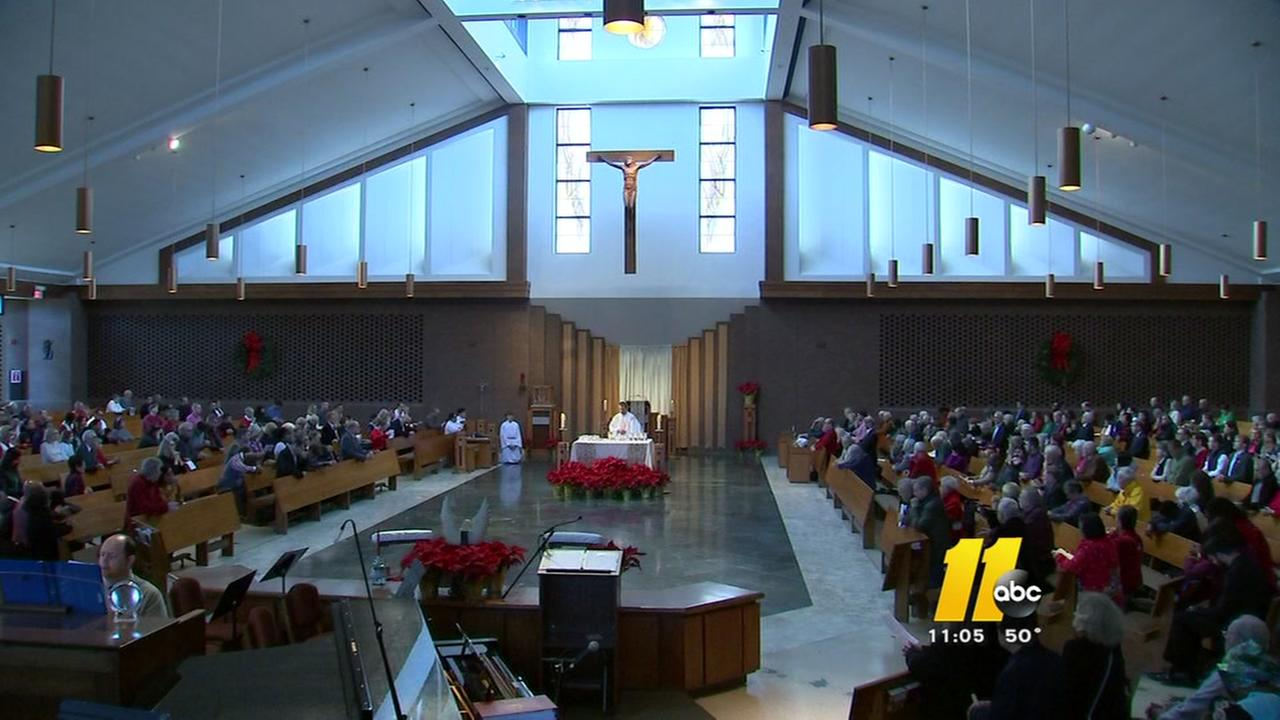 Hundreds attend Christmas mass in Raleigh