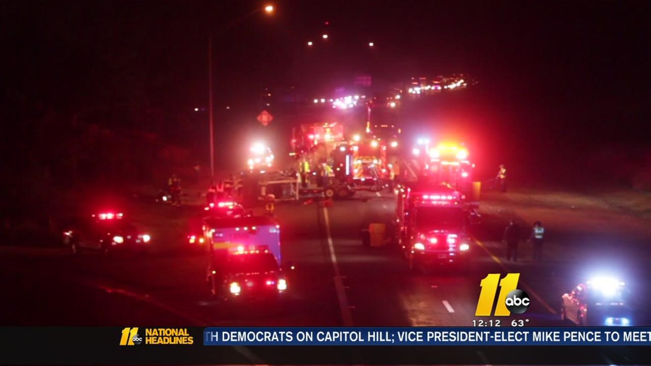 2 hurt in crash on I-95 in Fayetteville
