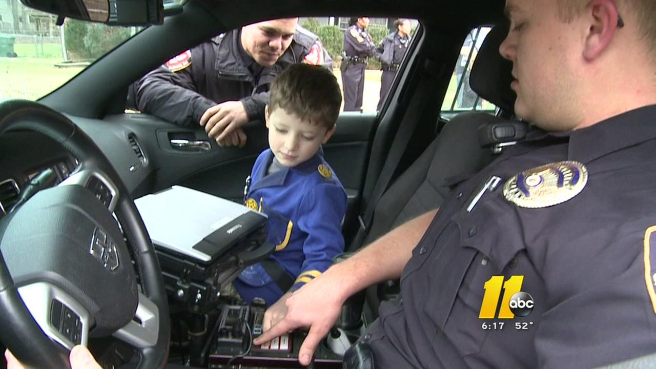 Boy celebrates 5th birthday with Durham police