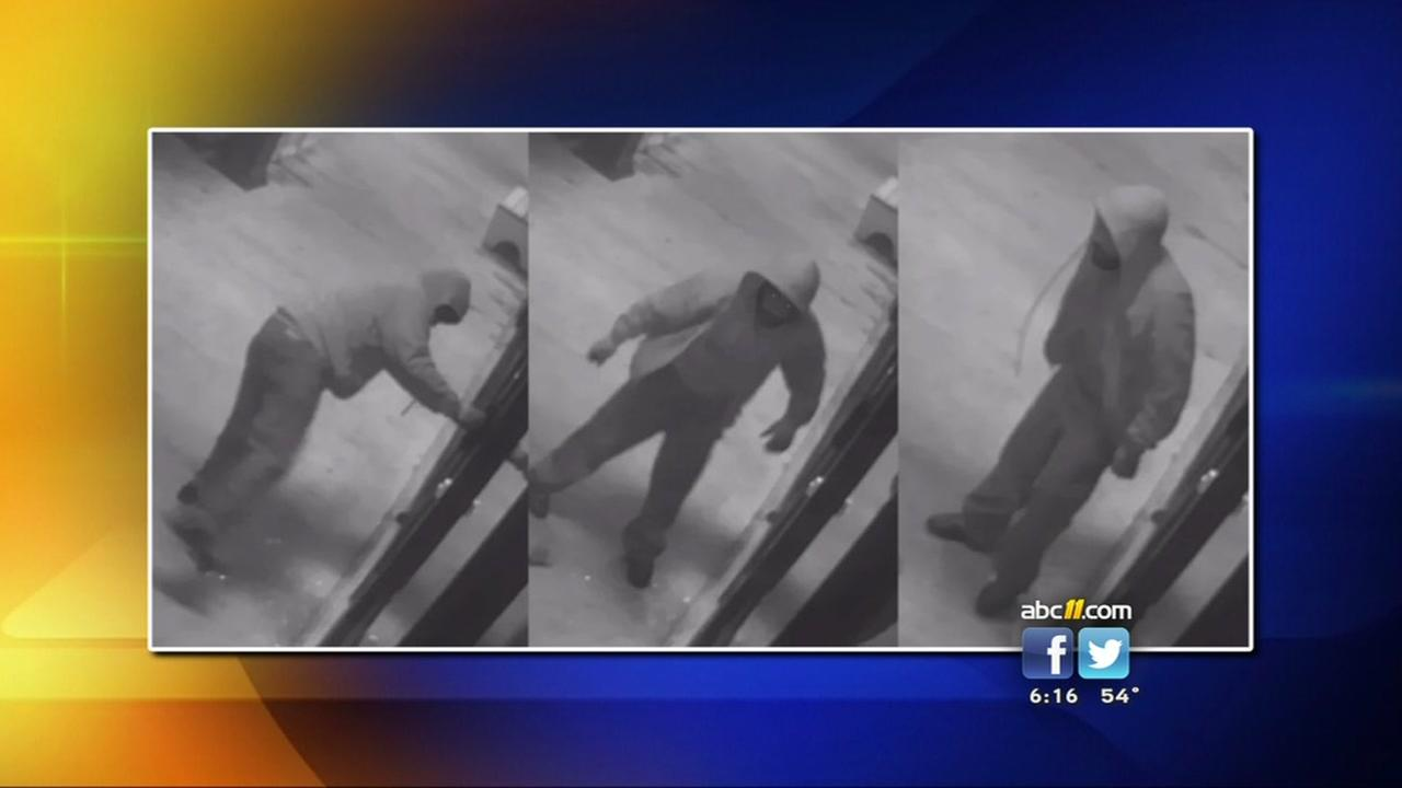Search for suspect linked to restaurant burglaries