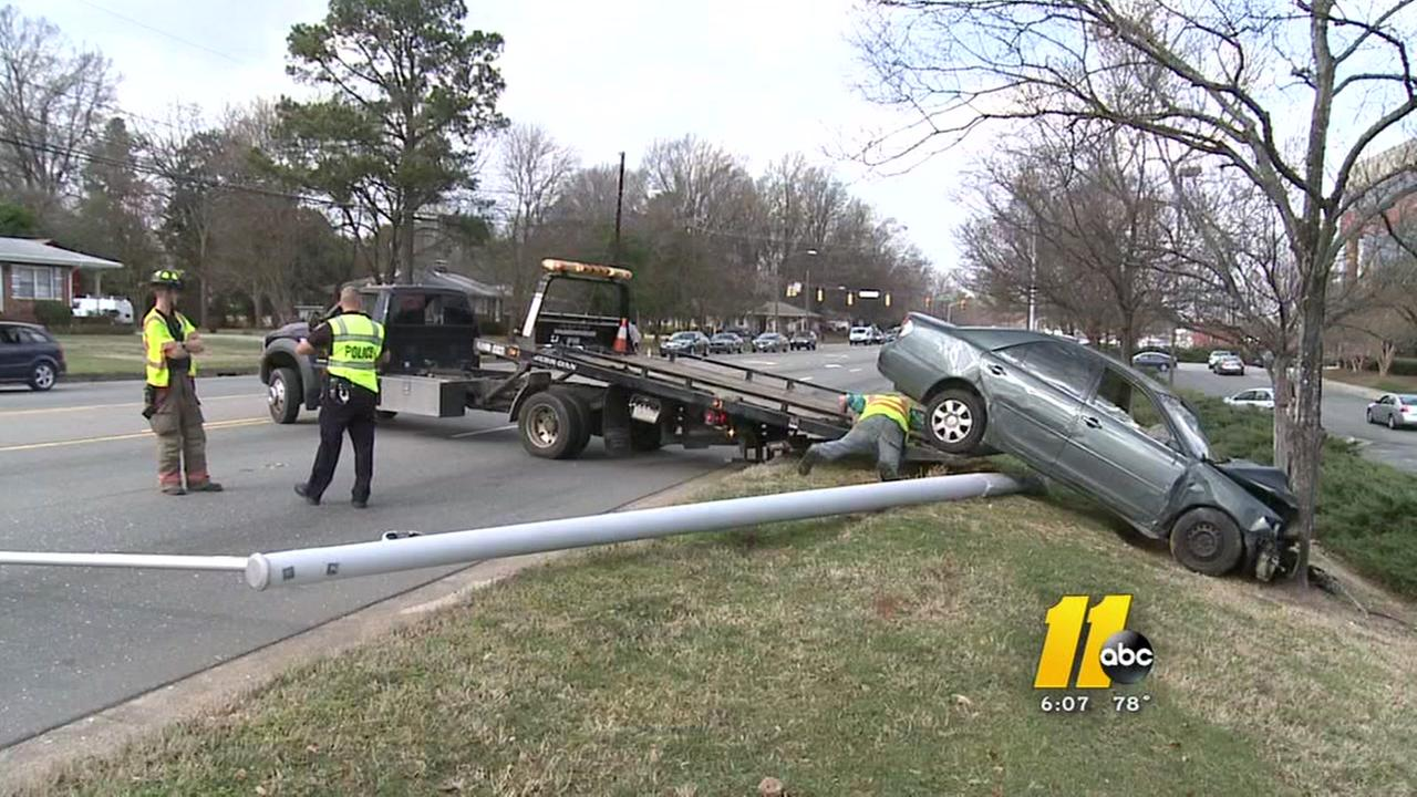 Driver crashes into pole in Durham