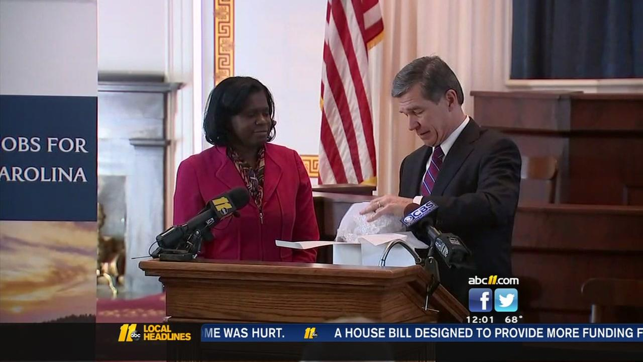 Governor Cooper announces new NC jobs
