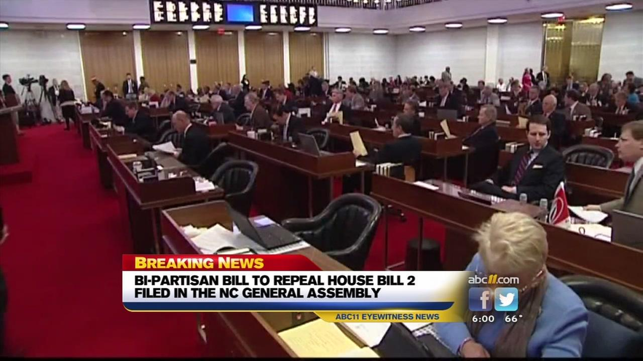 Bipartisan bill filed to repeal HB2