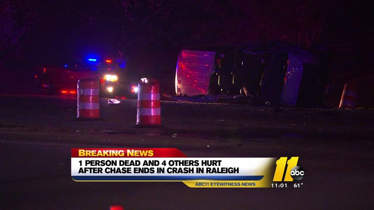 1 dead 4 hurt after chase ends in crash