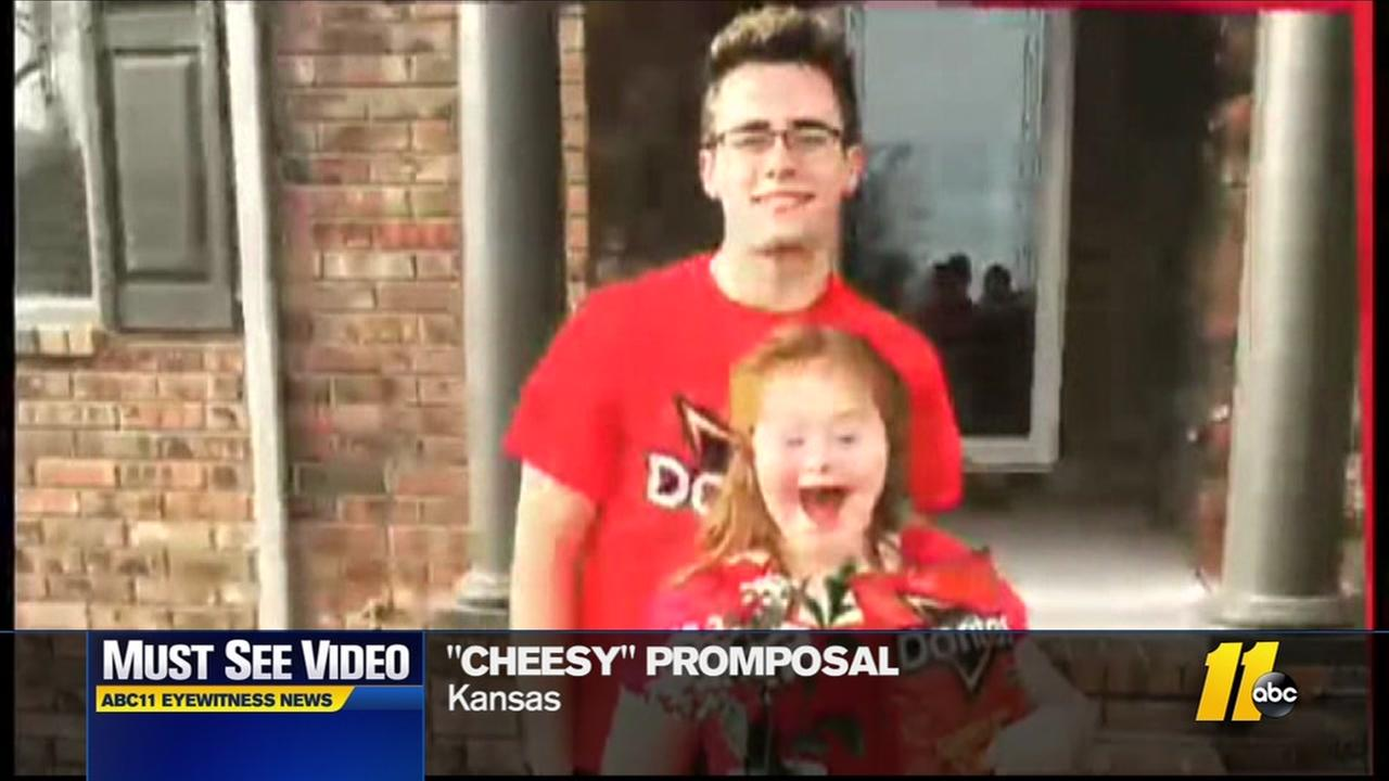 Must-see video: Cheesy promposal