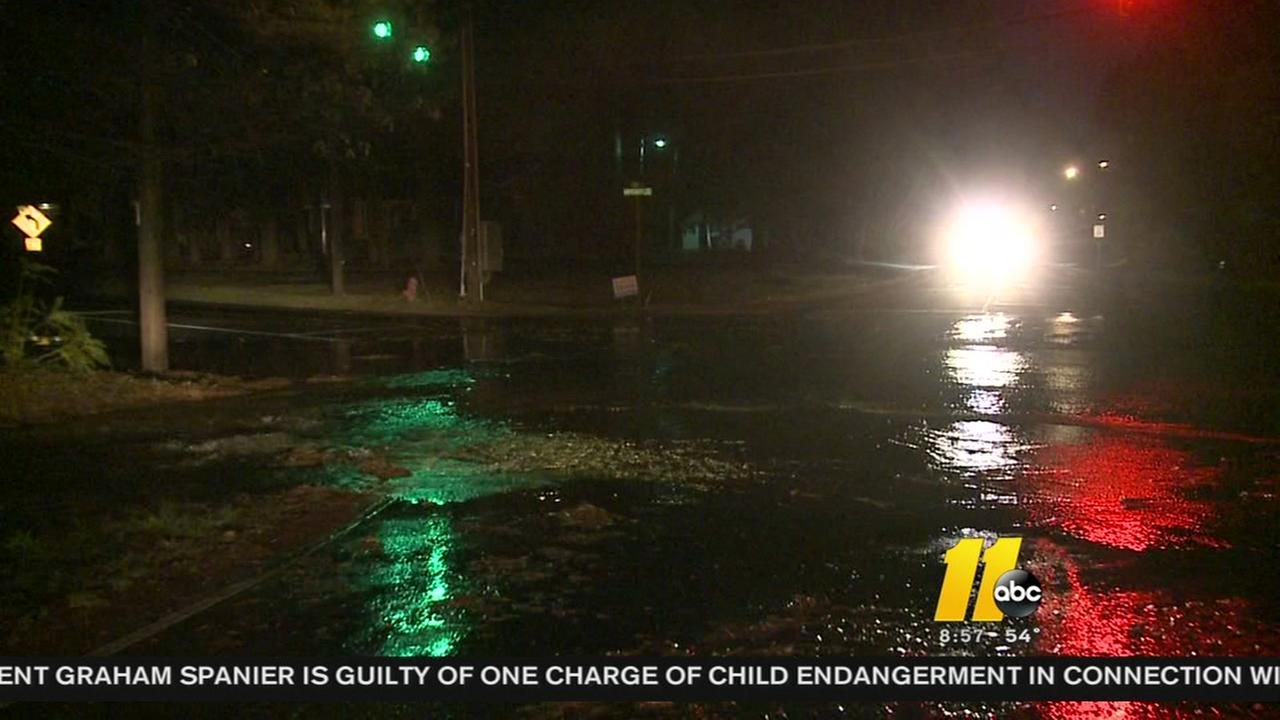 Crews work to contain water break in Durham