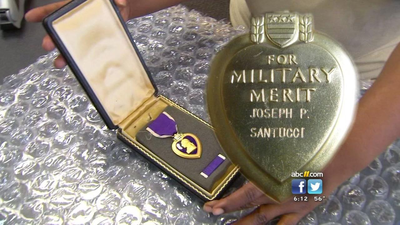 Marine returns Purple Heart to WWII veterans family