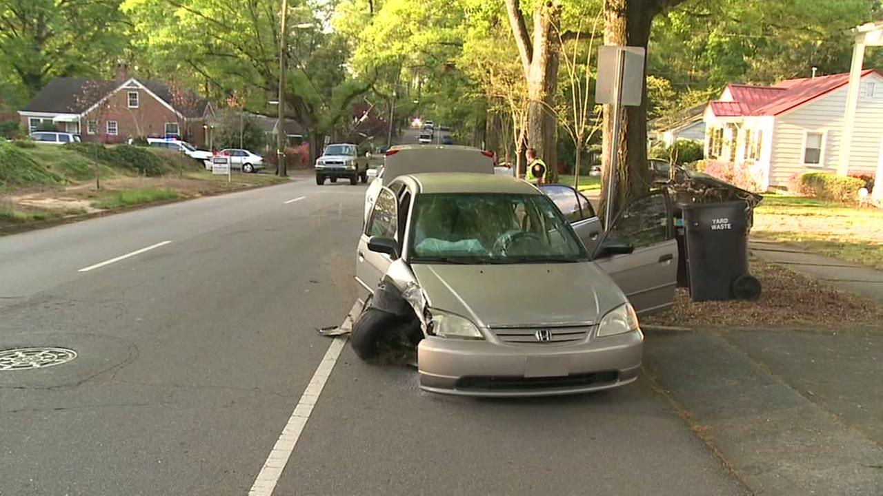 Driver flees crash site, arrested while ordering breakfast
