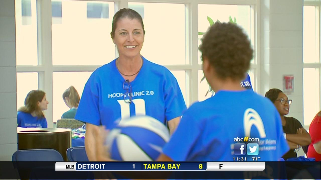 Duke womens basketball team puts on clinic for kids with autism