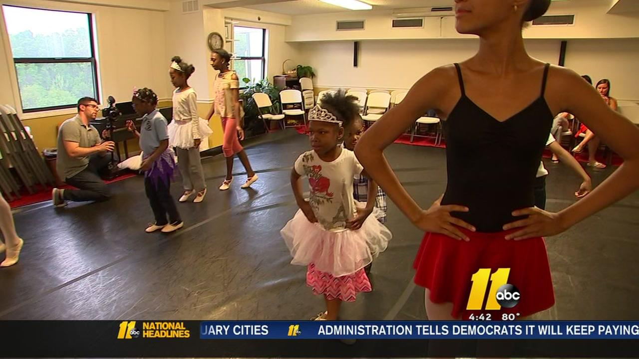 Cary ballerinas teach children at Durham shelter