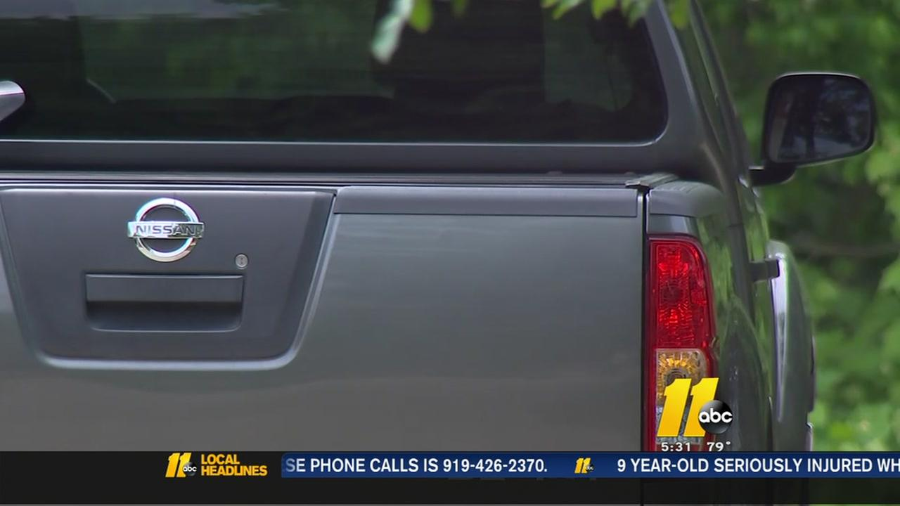 Neighborhood puzzled by weekend thefts from cars