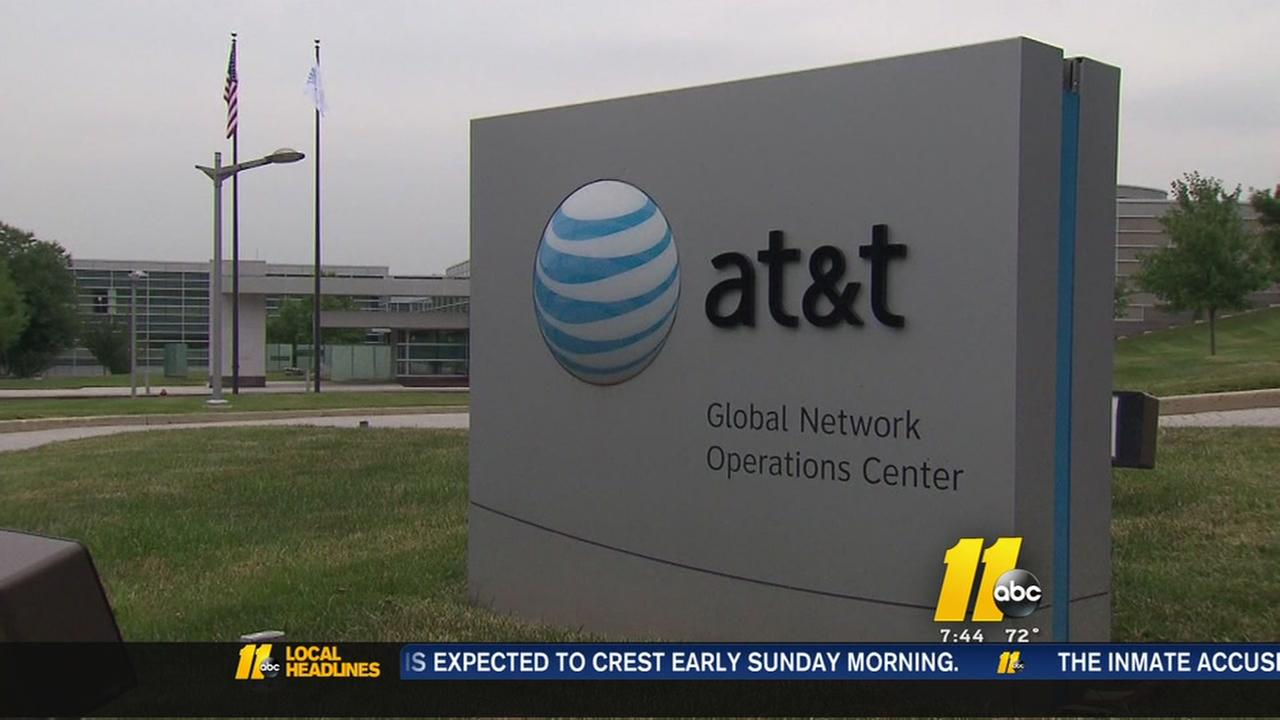 21,000 AT&T workers poised for Monday strike