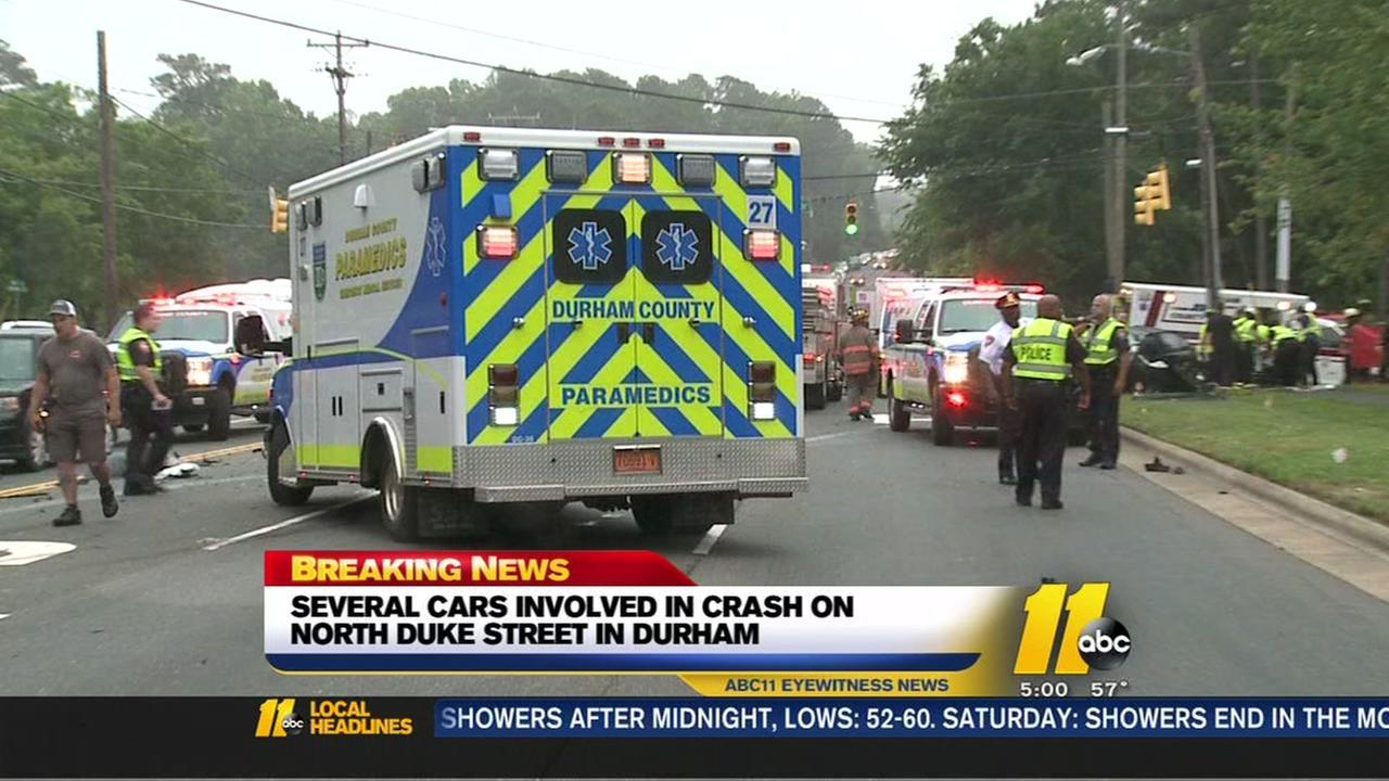 1 dead in Durham multi-car crash