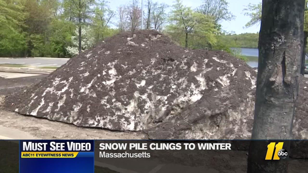 Stuborn snow not leaving in New England