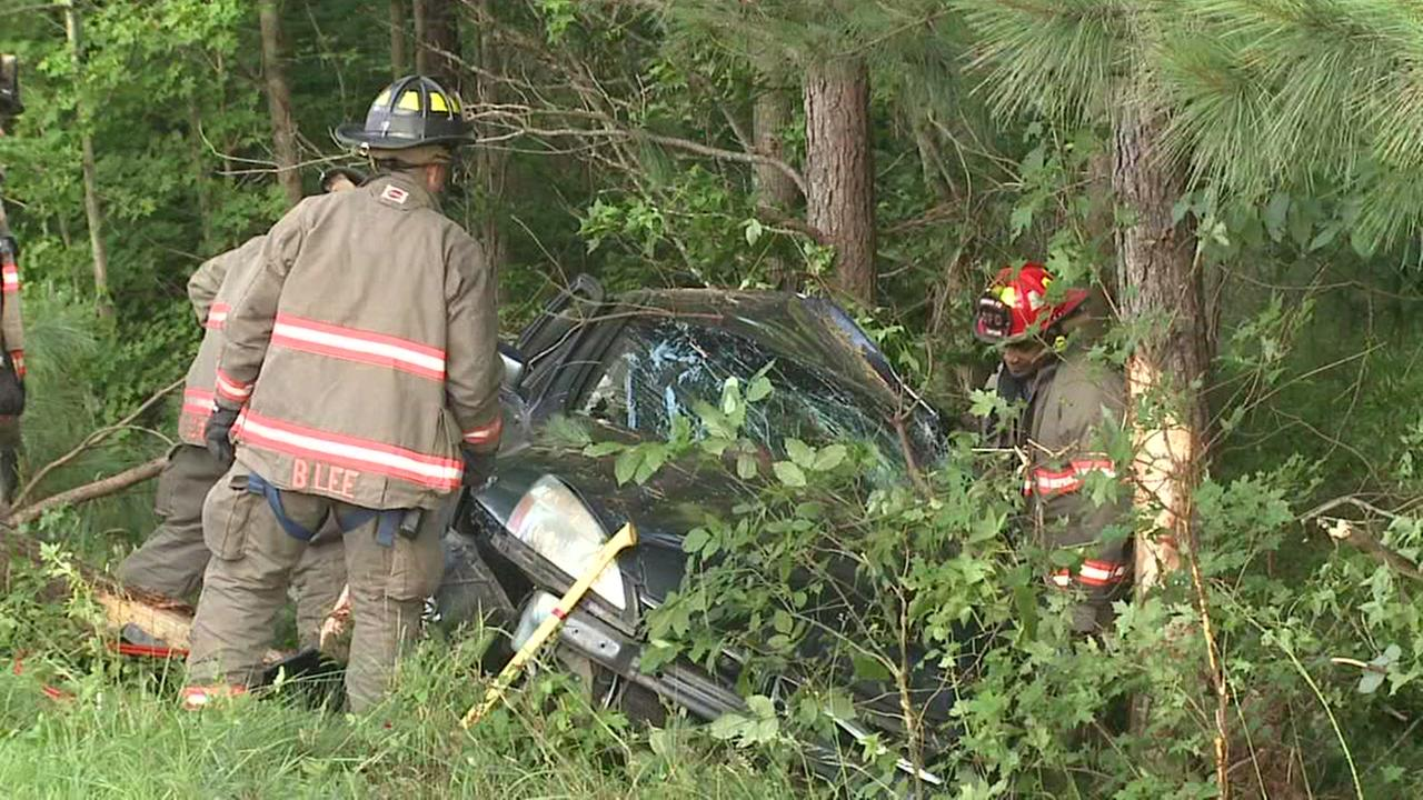 Car crashes into woods on 15-501 in Durham