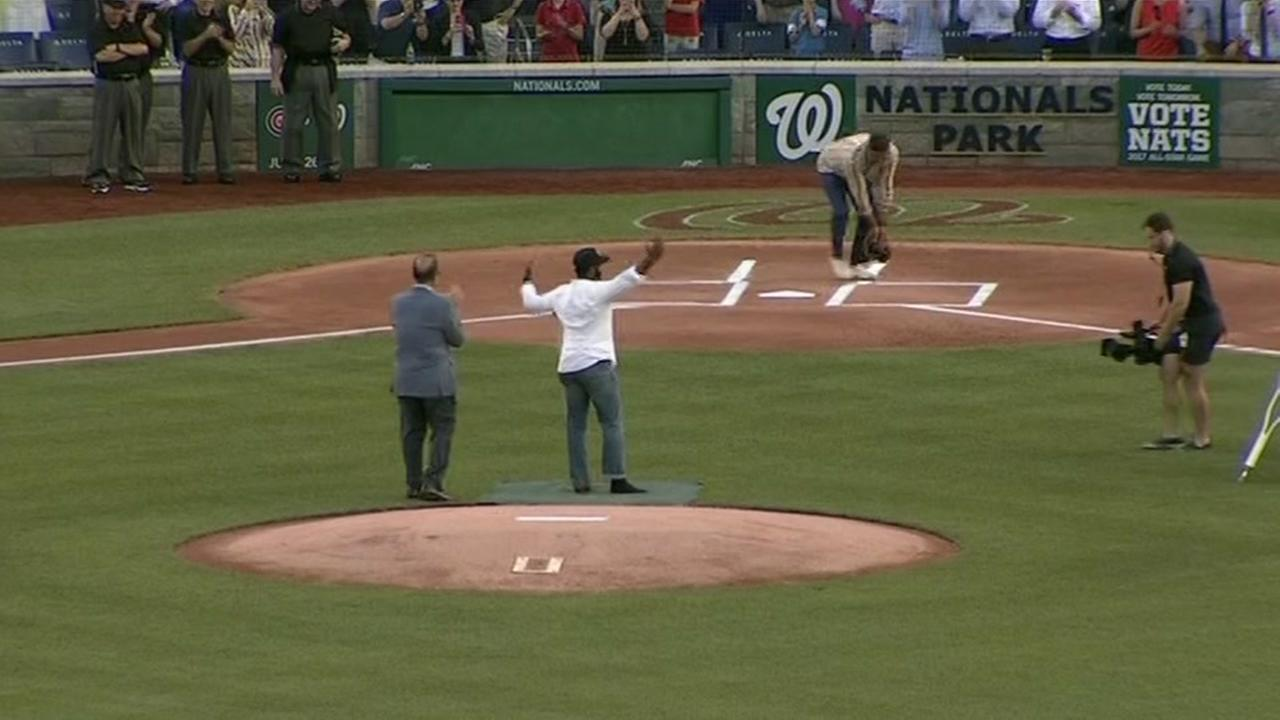 Bailey throws out first pitch at congressional game