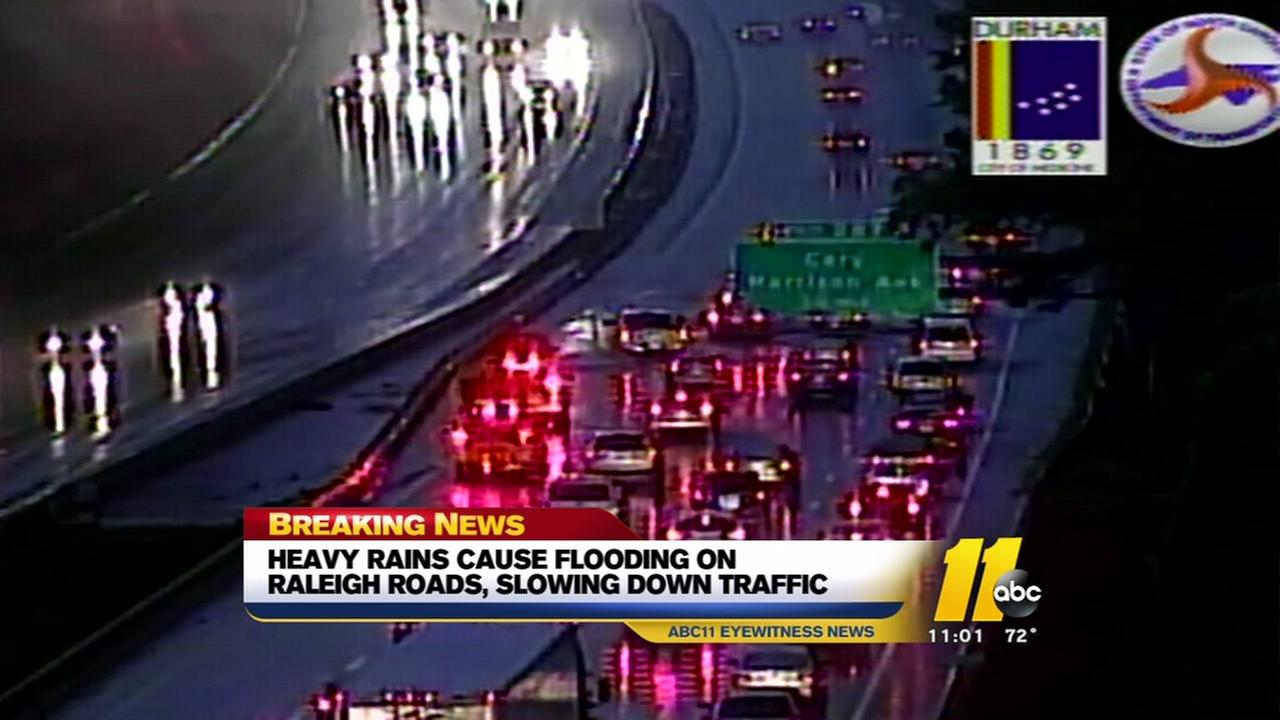 Thunderstorms cause slowdowns on I-40 when water floods road