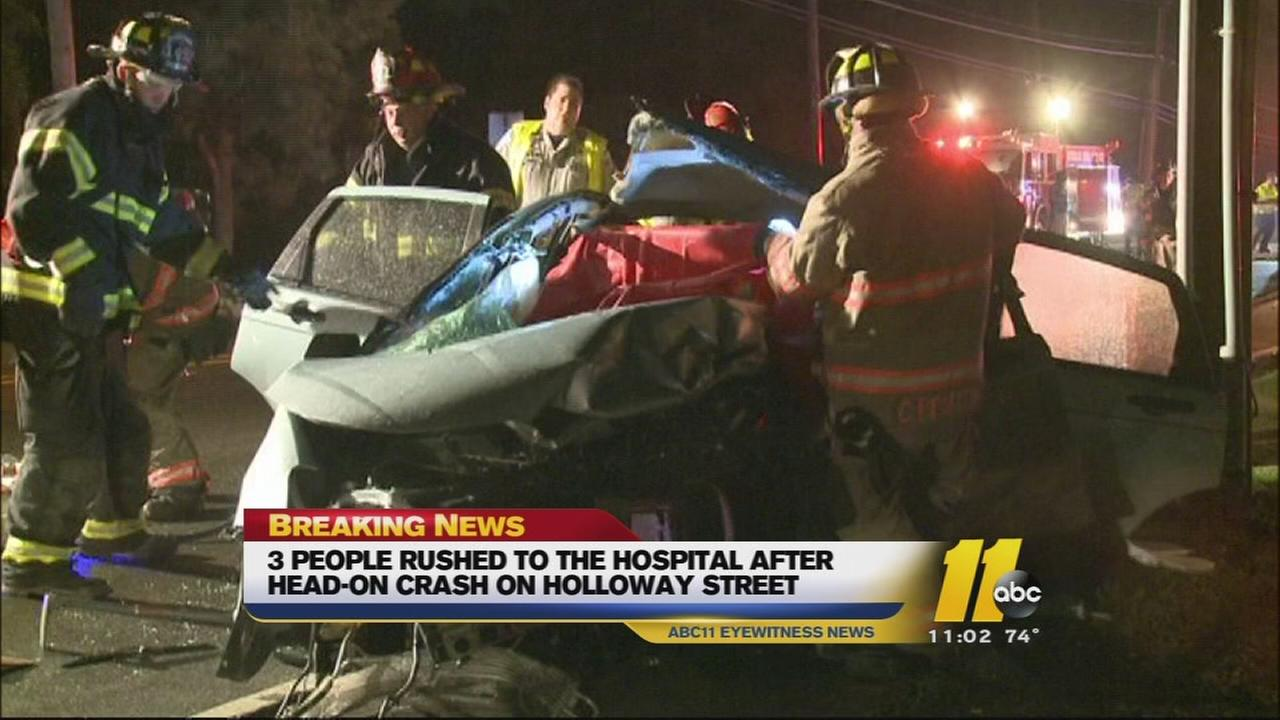 3 injured in Durham crash