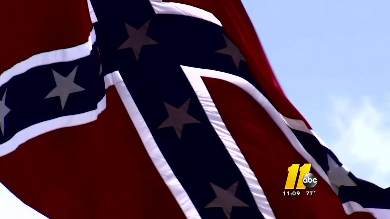 More districts ban Confederate flag