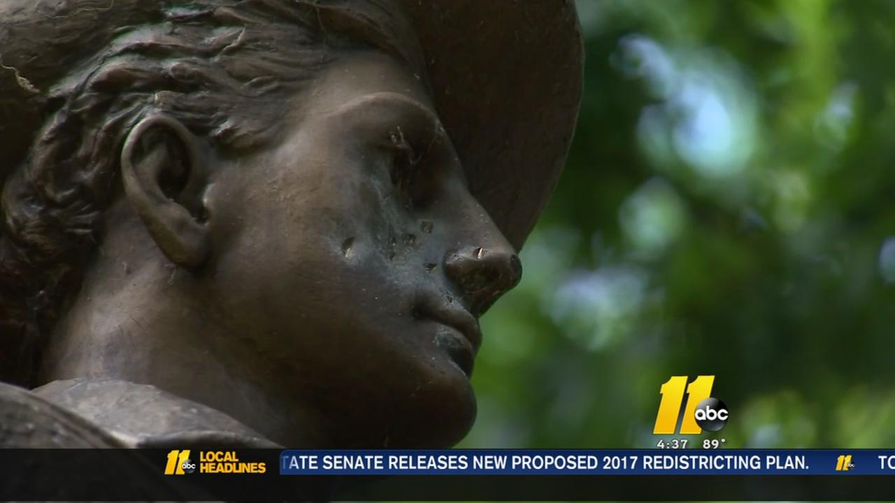Chapel Hill mayor calls on UNC to take down Silent Sam statue