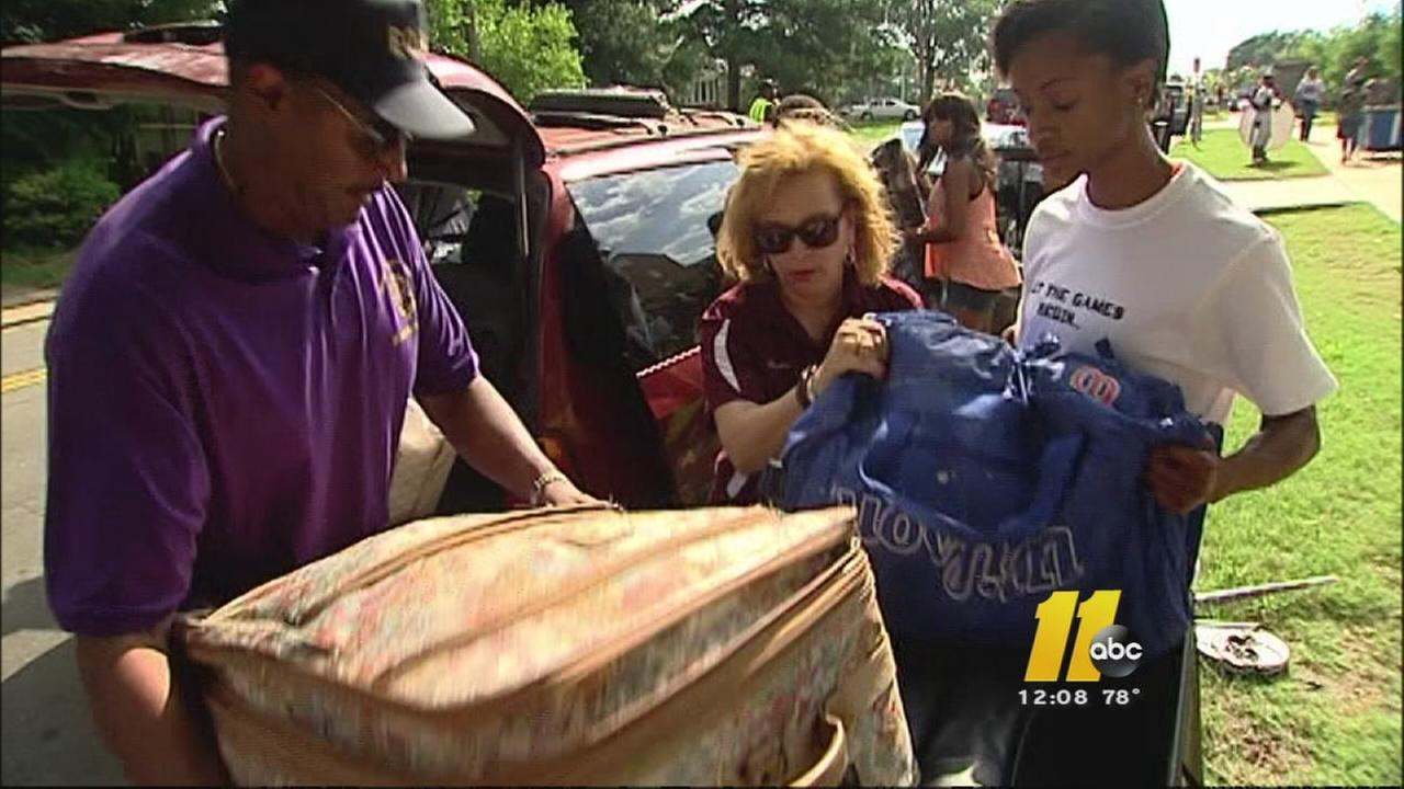 NCCU chancellor helps students move in