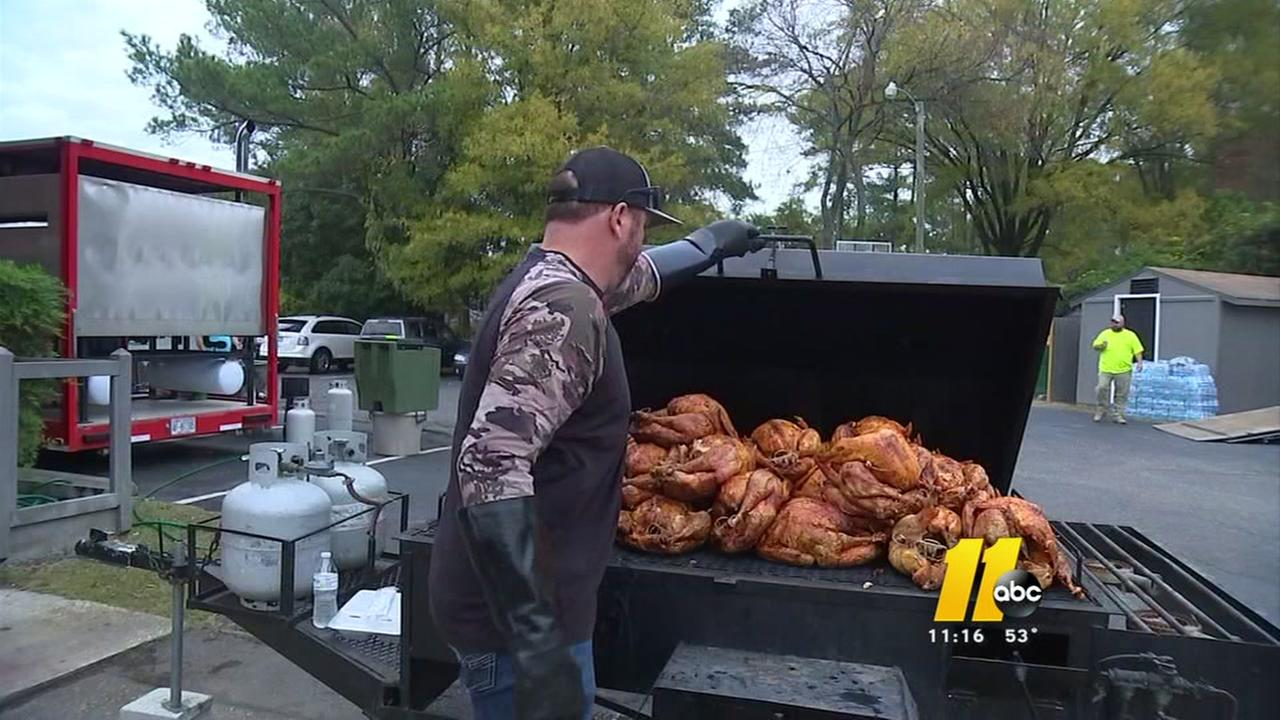 Fayetteville church puts on a community feast