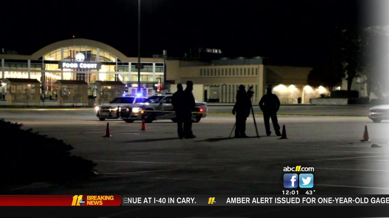 Three people shot during shootout in parking lot of Fayettevilles Cross Creek Mall