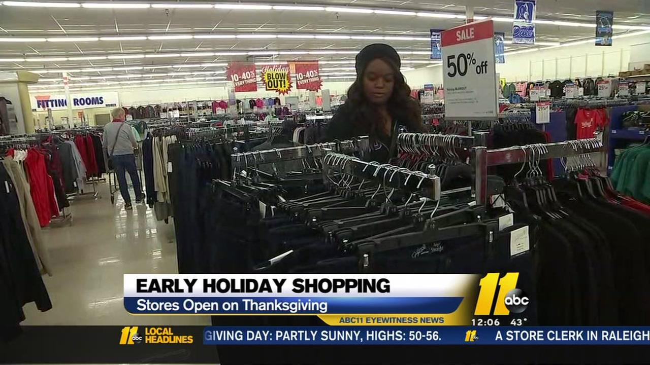 Early holiday shoppers hitting this stores this Thanksgiving