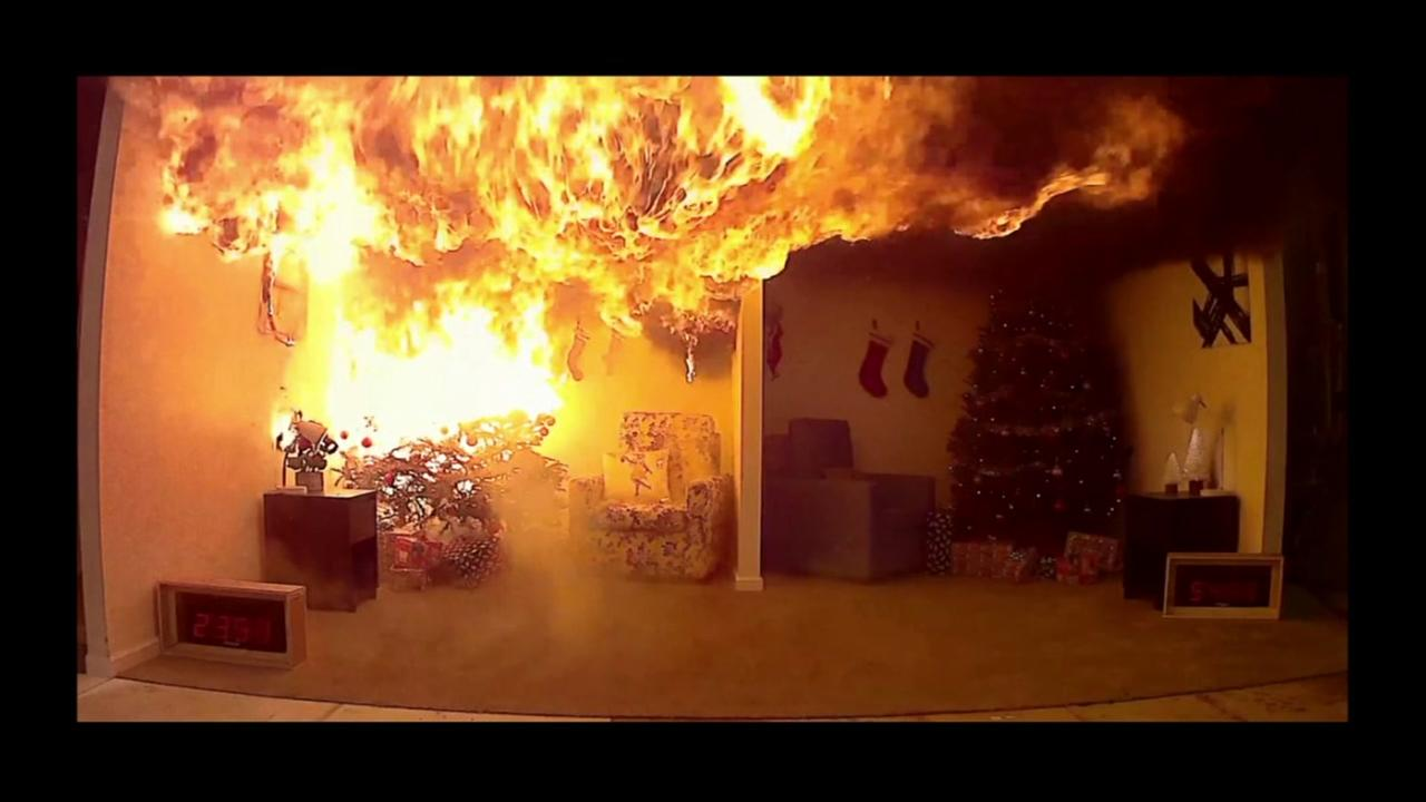 Christmas tree burns down within seconds
