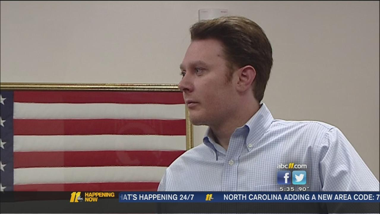 Clay Aiken campaigning in Fayetteville