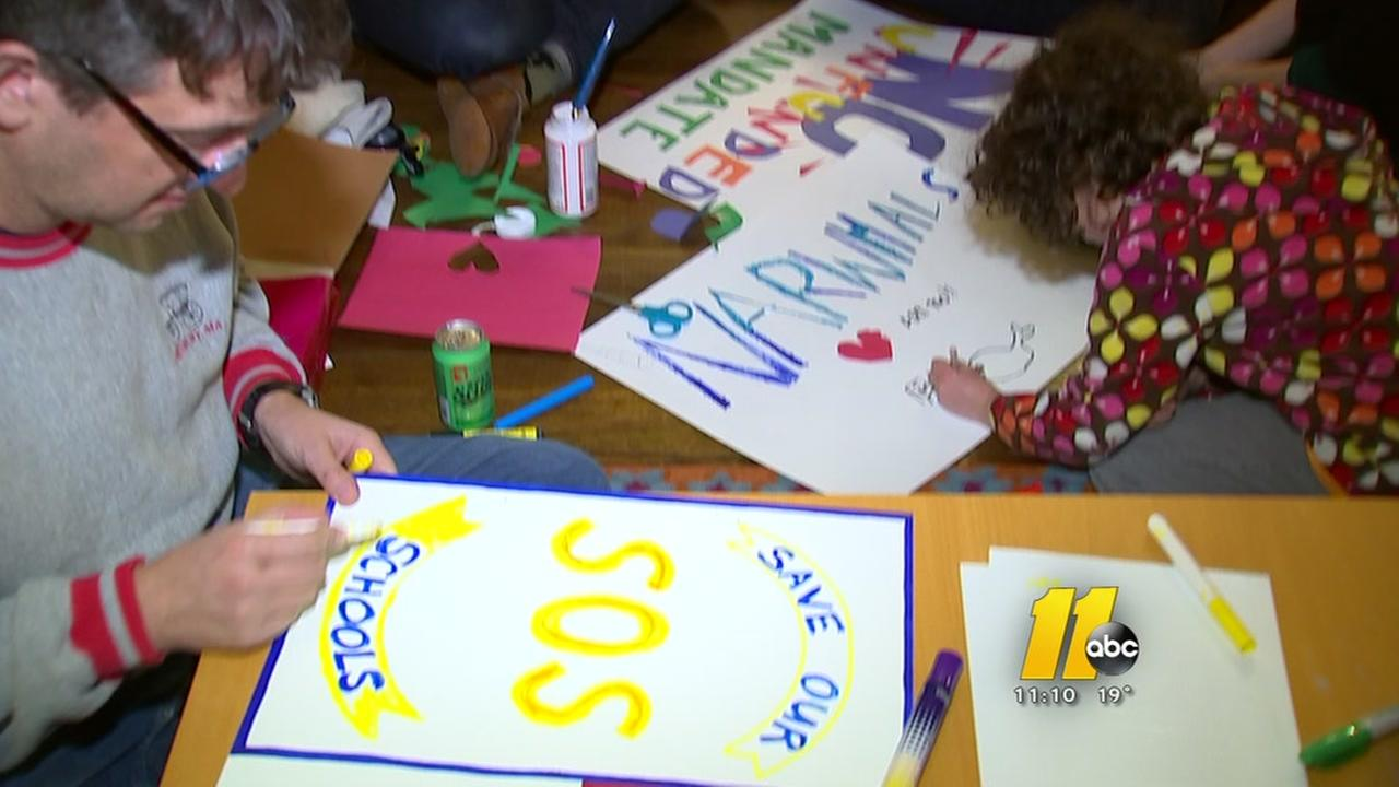 Parents, students prepare for class-size demonstration
