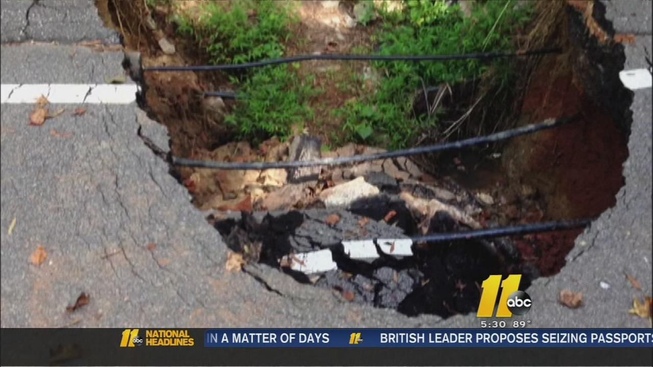 Sinkhole causes traffic headaches in Apex