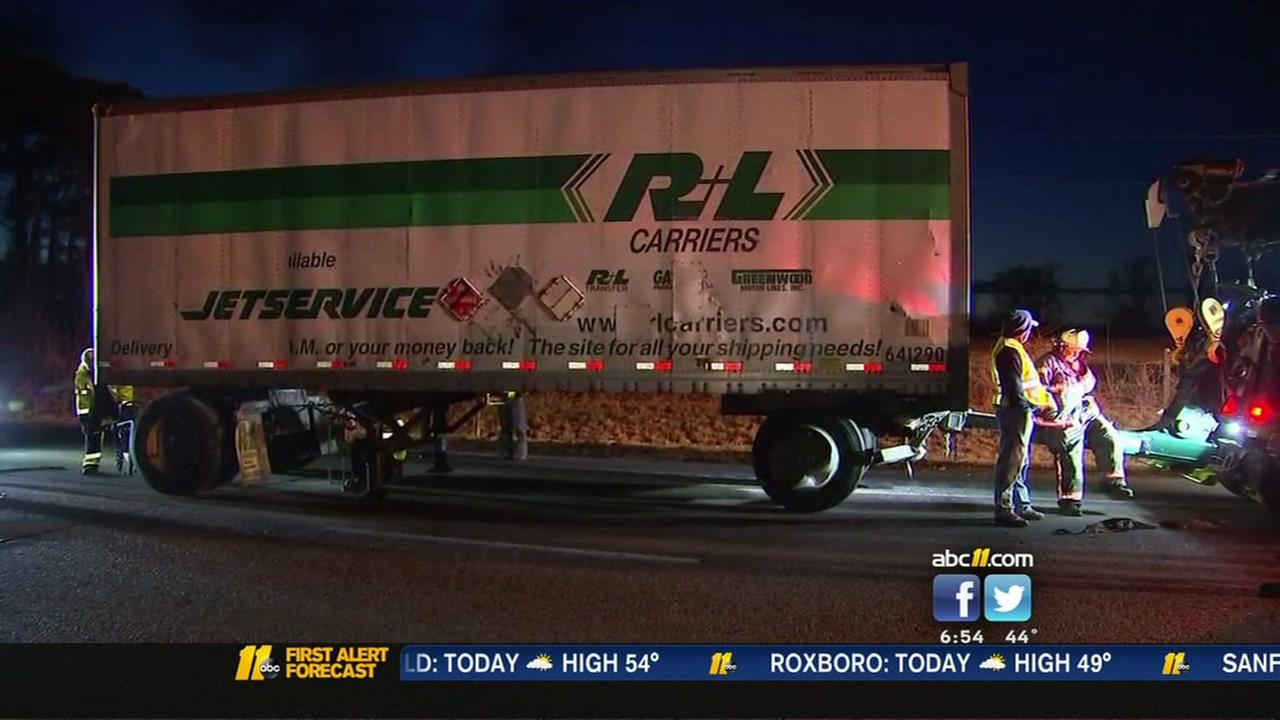 1 killed in tractor-trailer wreck on I-95 in Johnston County