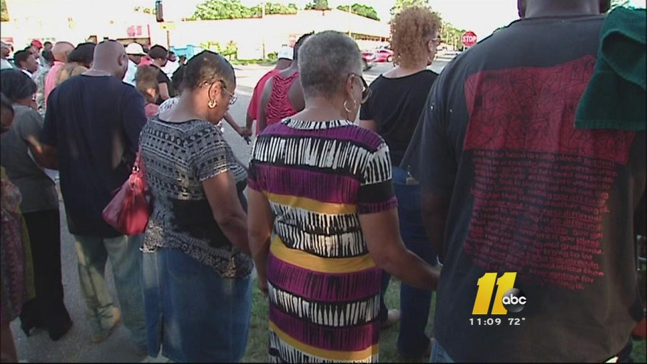 Vigil held for Sampson County fire victims