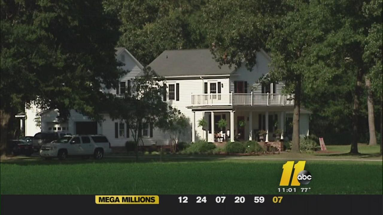Sampson Co. Sheriff investigating murder-suicide; bodies at 2 homes