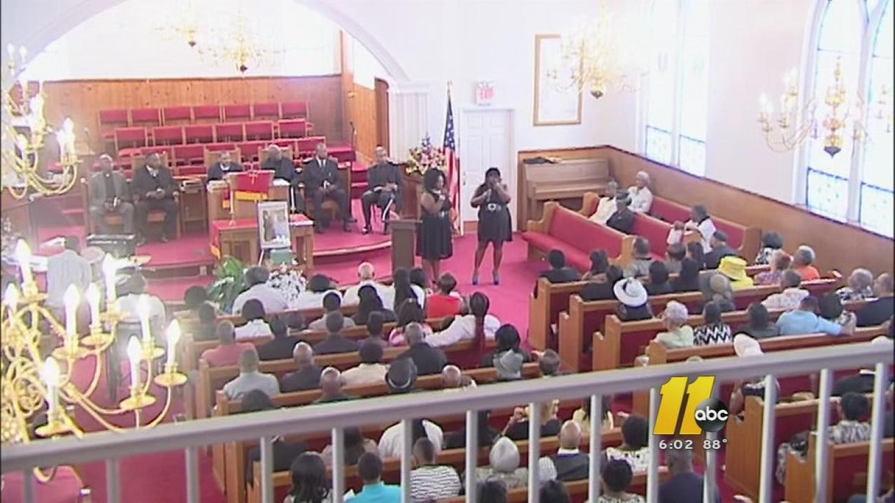 Funeral held for family of 6 killed in fire