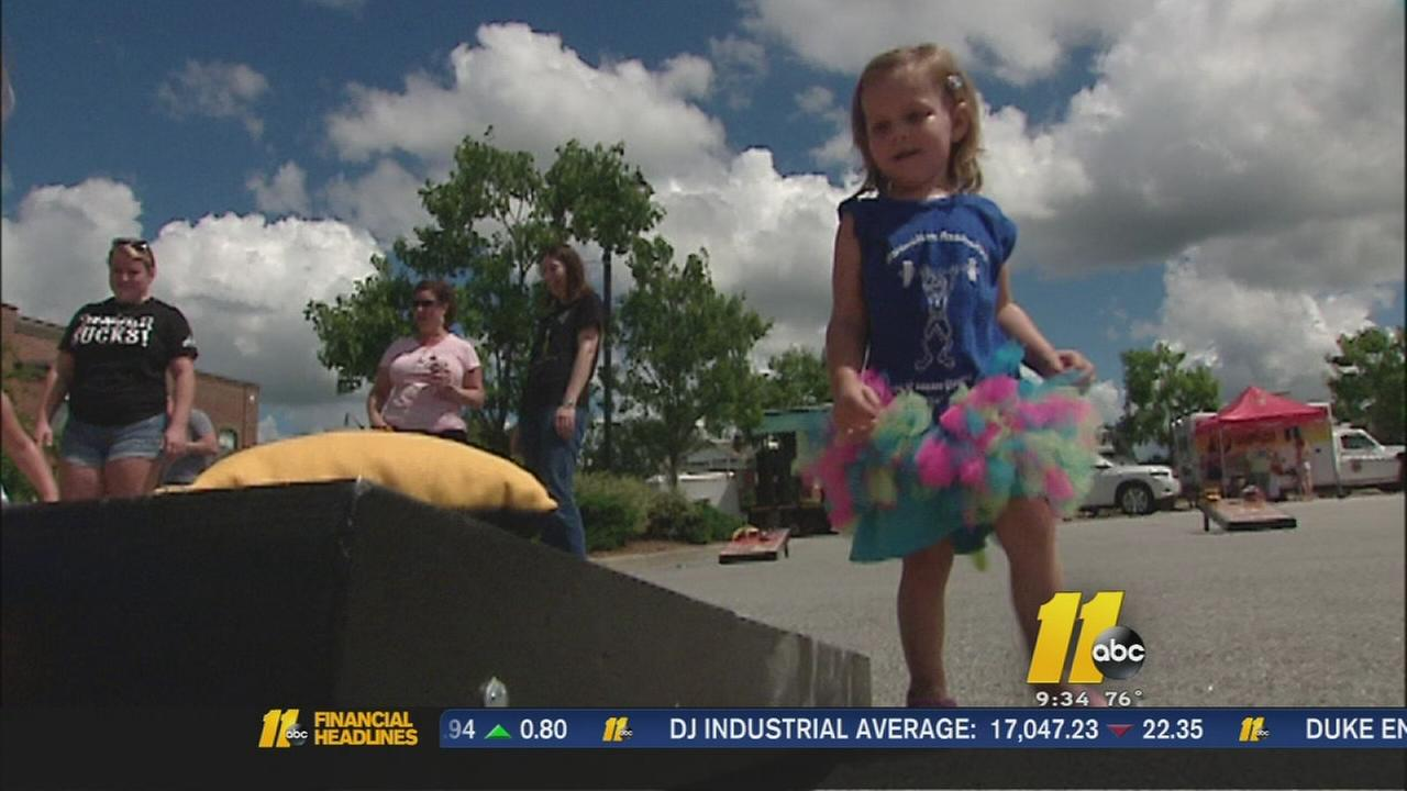 Fundraiser held for Holly Springs 3-year-old battling cancerr