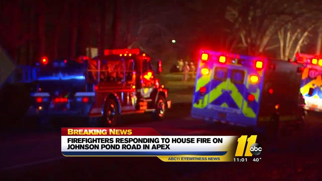 Firefighters respond to house fire in Apex