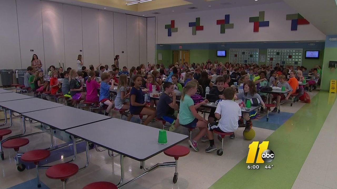 Wake Schools parents concerned about lunch table cleanliness