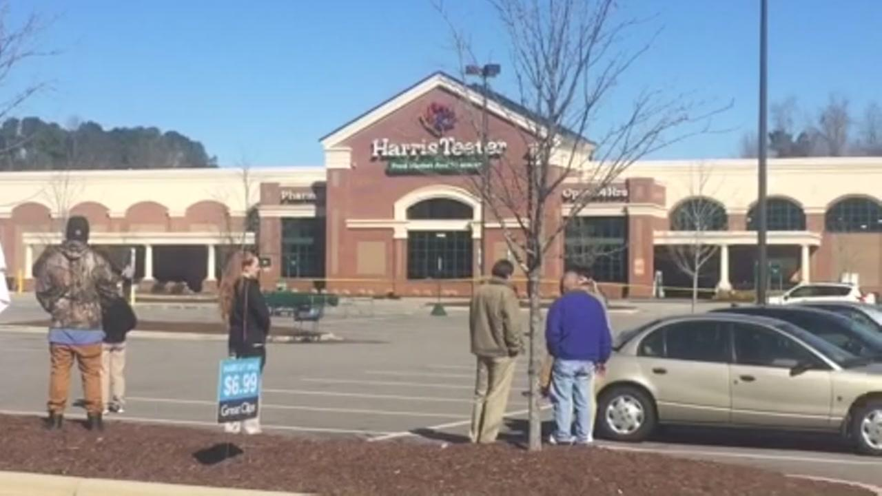 Bomb threat reported at Wake Forest Harris Teeter