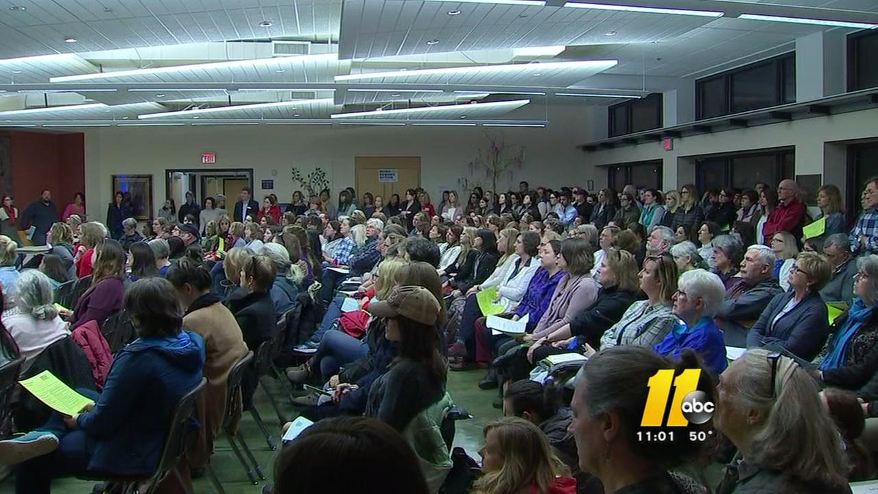 Large crowd packs Moms Demand Action meeting in Raleigh
