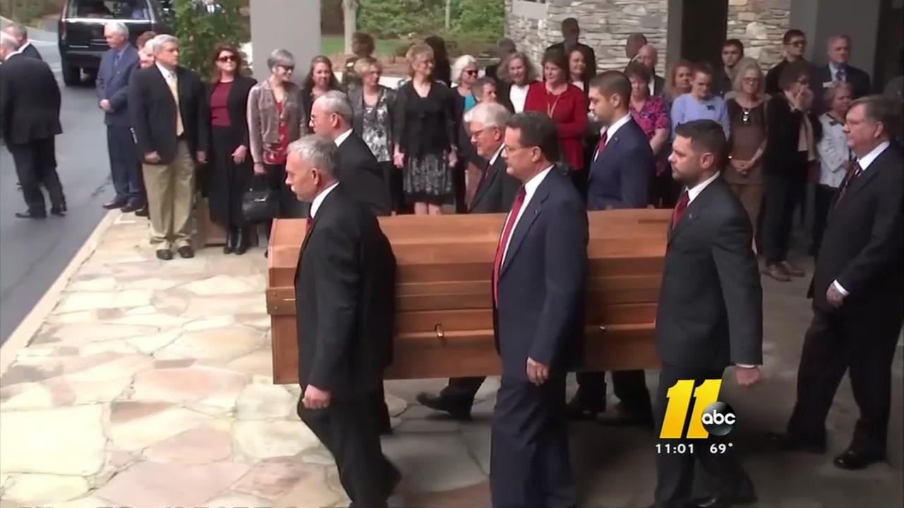 Motorcade for Rev. Billy Graham arrives in Charlotte