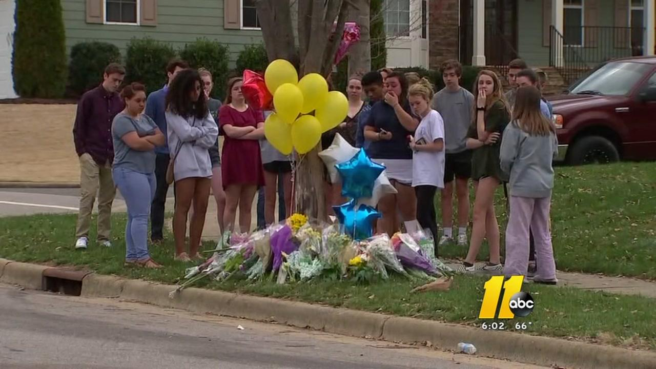 Teen dies in Wake Forest crash, police say