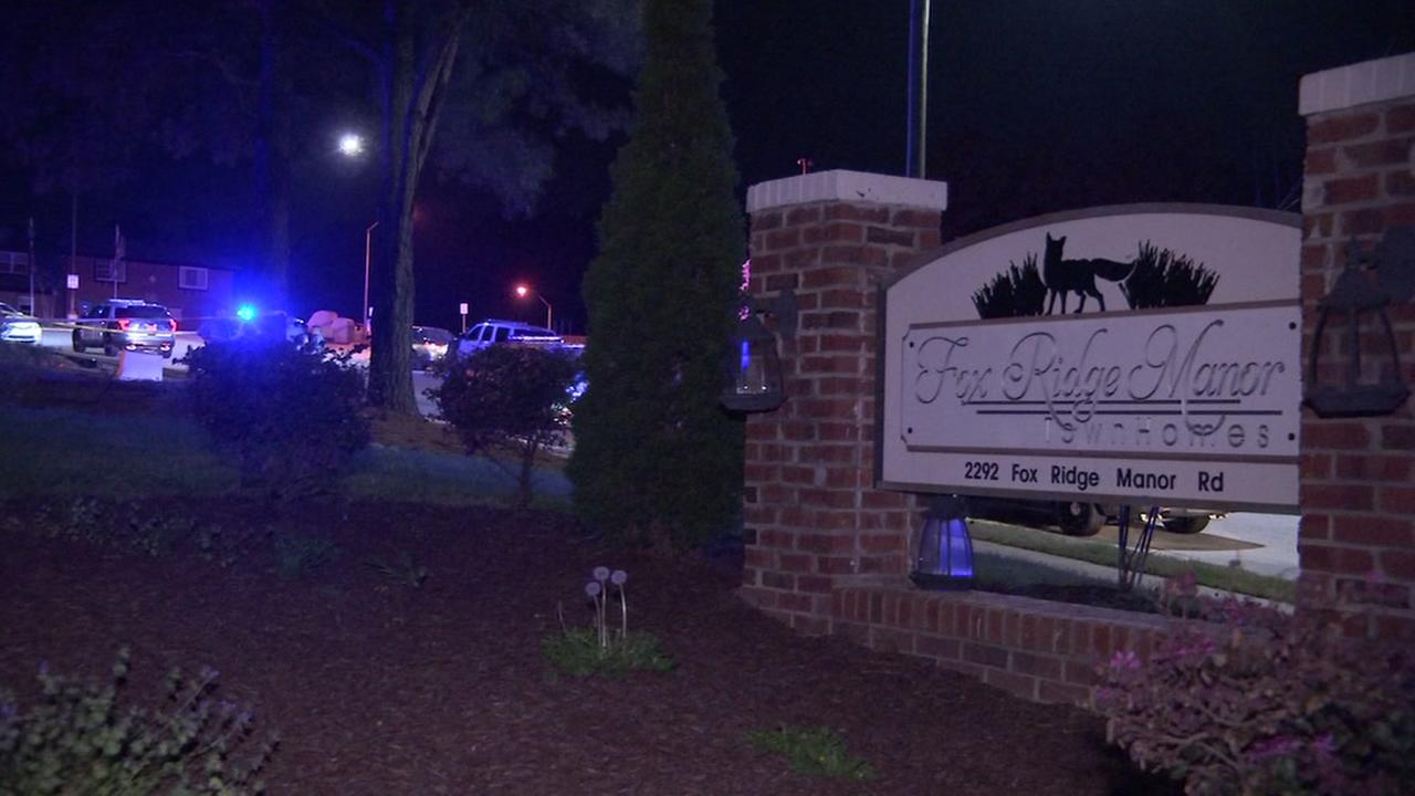 Man shot at Raleigh apartment complex