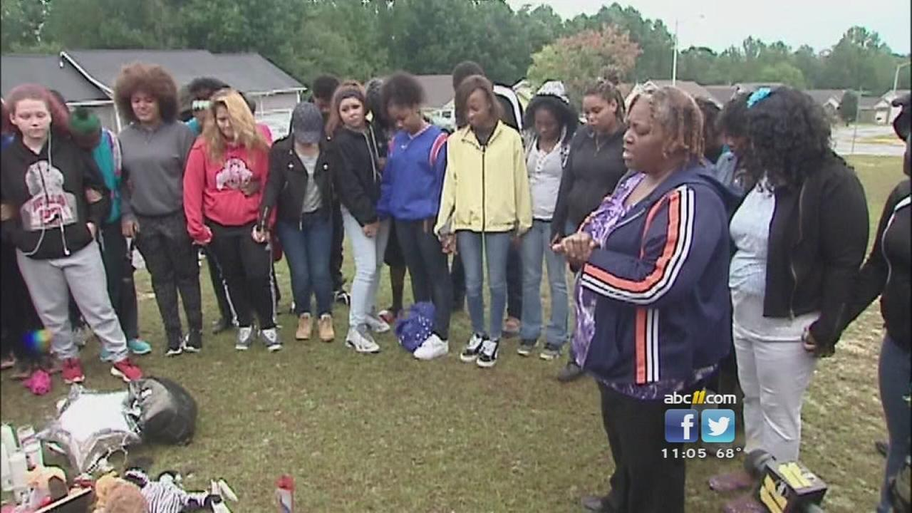 Family, friends attend vigil for slain teen Joseph Braxton