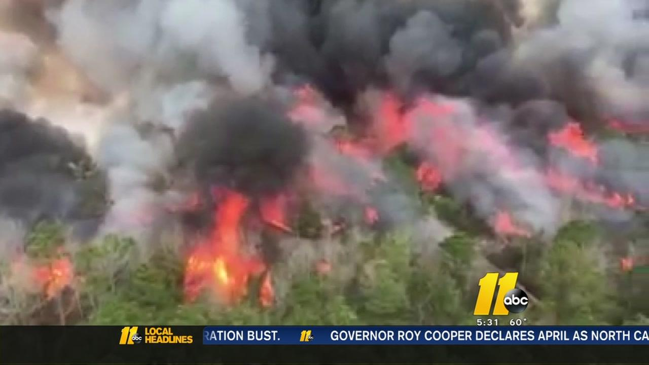 Bladen County wildfire scorches more than 500 acres