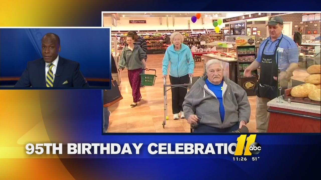 WWII veteran celebrates 95th birthday at Durham Harris Teeter