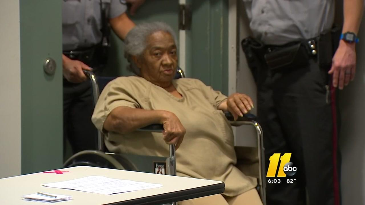 Fayetteville woman charged with murder