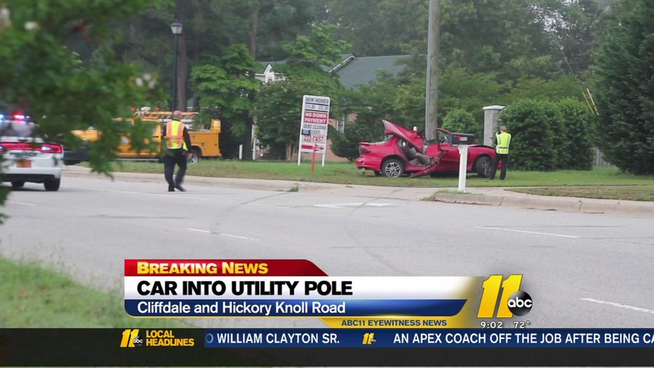 car into pole